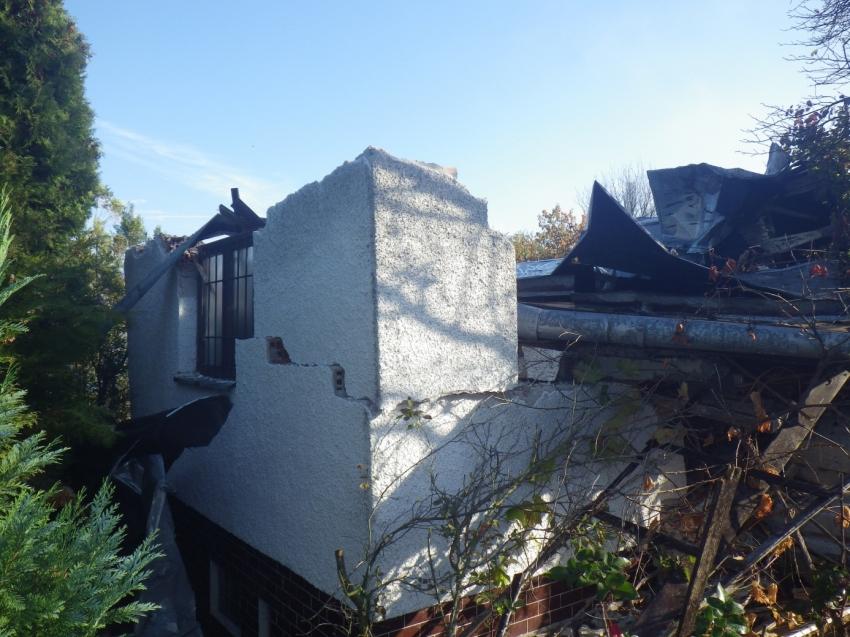 Zbúraná chatka