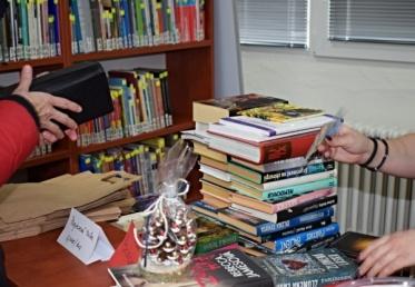 Knižnica pomôže počas vianočných sviatkov dražbou kníh